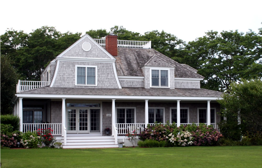 Cape cod homes 101 for Cape cod house with porch