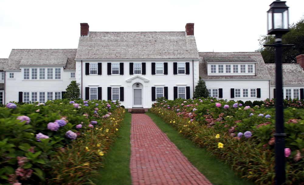 Cape cod homes 101 for Colonial cape