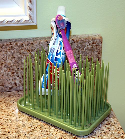 kids bathroom toothbrush holder