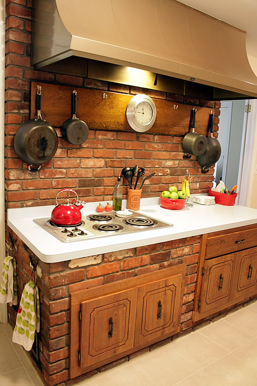 Kitchen and family rooms that were meant to live as one for Kitchen units made of bricks
