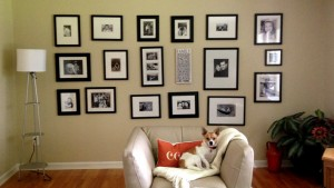 DIY gallery feature wall @yourhomeonlybetter