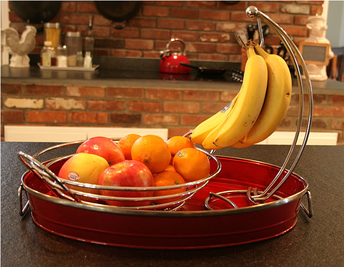 fruit storage tray from www.yourhomeonlybetter.com