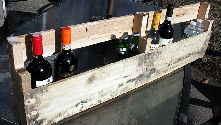 DIY wine rack upcycled from a pallet DIY #yourhomeonlybetter