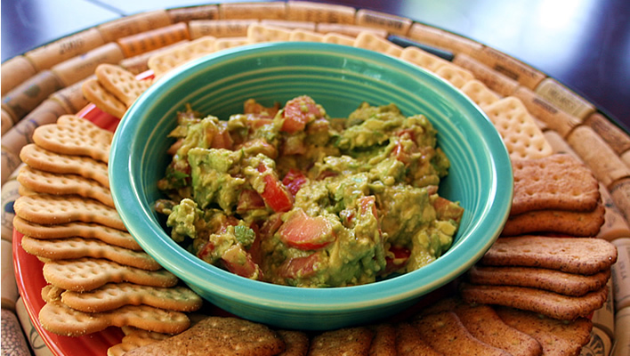 Easy Spicy Avocado Dip